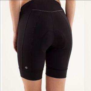 Lululemon paceline black padded cycling shorts 361